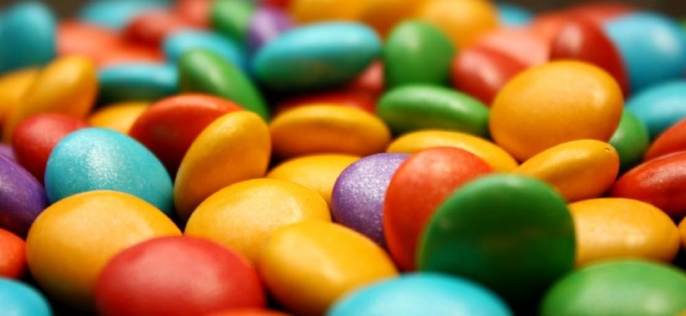 יותר מדי קסם וסוכריות צבעוניות